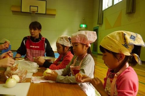 収穫祭(カレー作り).jpg